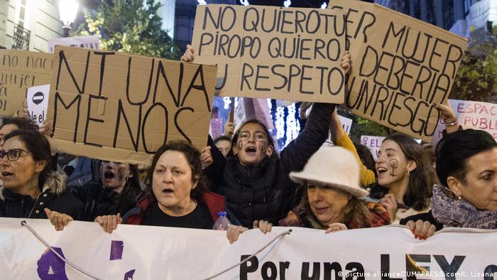 Spanien Demo gegen Frauengewalt yo si te creo in Madrid