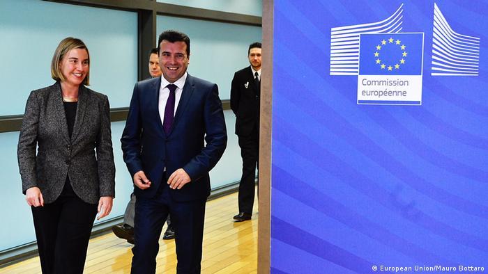Belgien mazedonischer Ministerpräsident Zoran Zaev und EU-Außenbeauftragte Federica Mogherini (European Union/Mauro Bottaro)