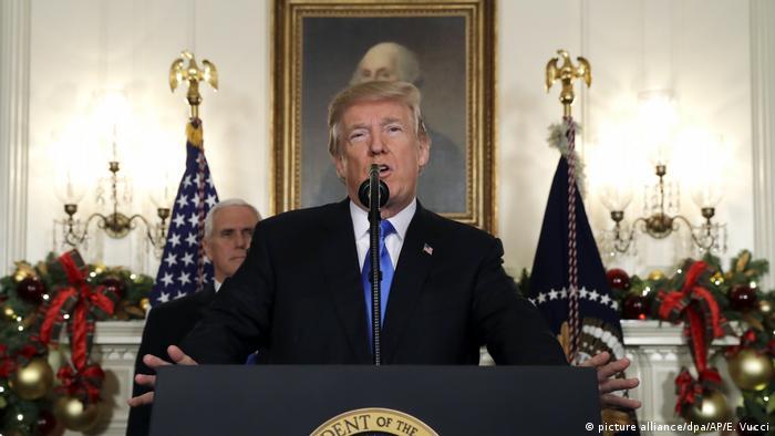 Trump announced decision to recognize Jerusalem as Israeli capital (picture alliance/dpa/AP/E. Vucci)
