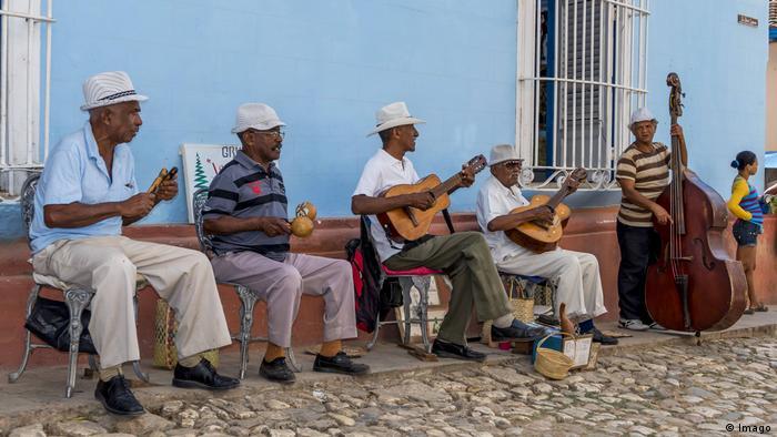 Kuba Straßenmusiker (Imago)