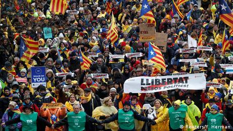 У Брюсселі десятки тисяч демонстрантів вимагають незалежності Каталонії