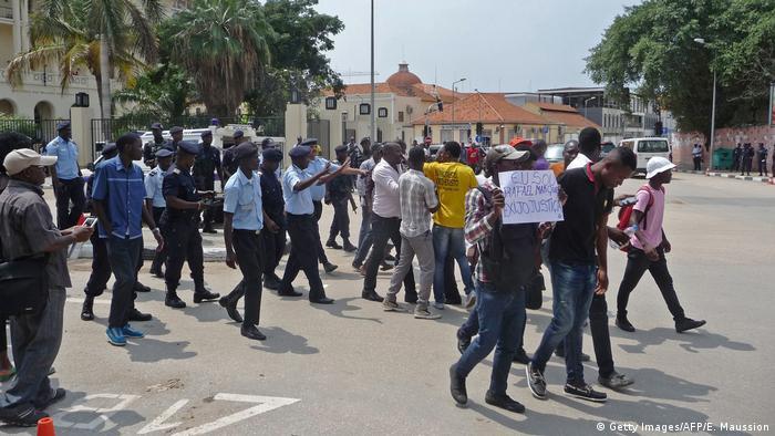 Uma marcha contra a corrupção na capital angolana, Luanda (2015).
