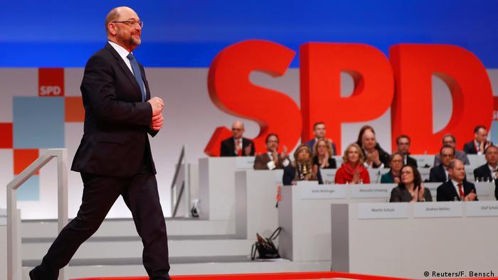 Martin Schulz at SPD party convention (Reuters/F. Bensch)