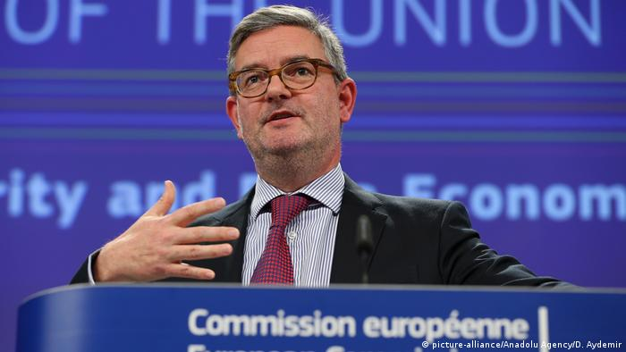 EU-Sicherheitskommissar Julian King (picture-alliance/Anadolu Agency/D. Aydemir)