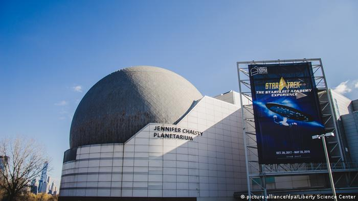 USA - Jennifer Chalsty Planetarium (picture-alliance/dpa/Liberty Science Center)