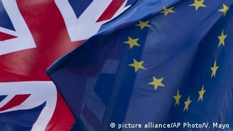 Στο επίκεντρο και οι θεσμικές επιπτώσεις του brexit