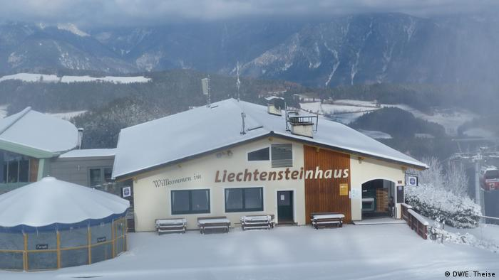 The restaurant Liechtensteinhaus atop Kirschenkogel (DW/E. Theise)
