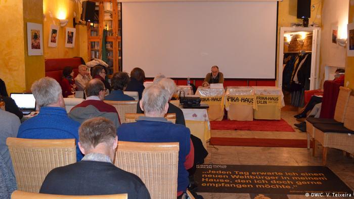Deutschland Berlin - Publikum Tagung der Angola-Runde
