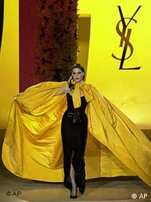 Yves Saint Laurent Haute Couture in gelb