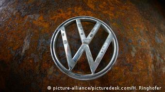 Η VW έμεινε στο απυρόβλητο από τη γερμανική κυβέρνηση σύμφωνα με την Κομισιόν