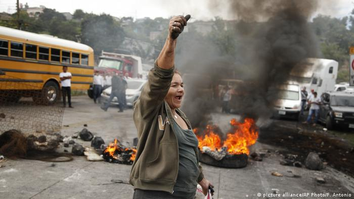 Protestas en Tegucigalpa, Honduras. Diciembre 2017. (picture alliance/AP Photo/F. Antonio)
