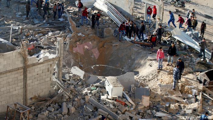 İsrail Ordusu'ndan Gazze'ye hava saldırısı