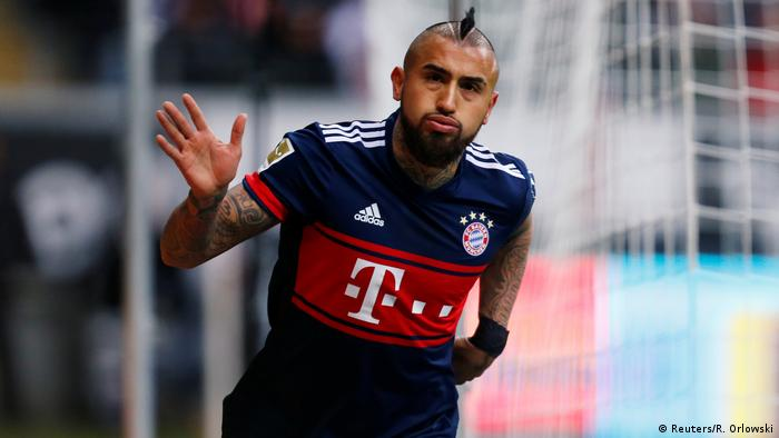 1. Bundesliga 15. Spieltag | Eintracht Frankfurt - Bayern München | Arturo Vidal (Reuters/R. Orlowski)