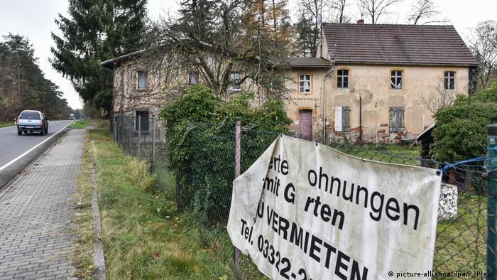 Deutschland - Dorf Alwine soll versteigert werden