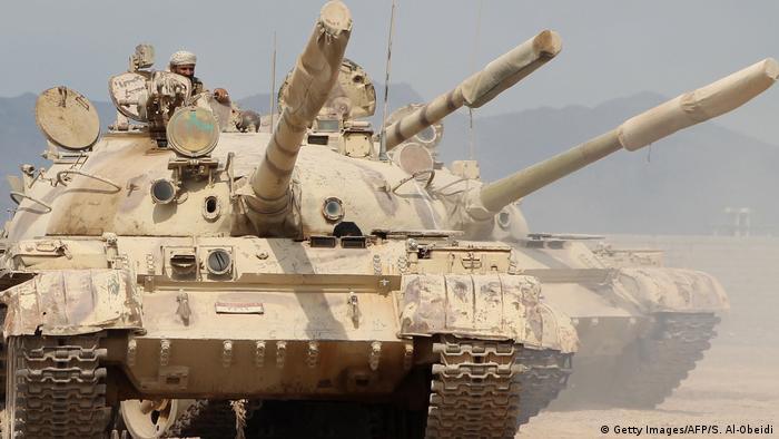 Танки у Ємені (архівне фото), За даними SIPRI, продажі зброї у світі зростають