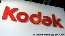 ARCHIV - DerSchriftzug des amerikanischen Fotopioniers Kodak auf der Fachmesse Photokina in Köln am 23.08.2008. Kodak hat nach rund eineinhalb Jahren das Insolvenzverfahren verlassen. Foto:Mauritz Antin/epa/dpa (zu dpa «Kodak verlässt Insolvenzverfahren» vom 04.09.2013) +++(c) dpa - Bildfunk+++ |