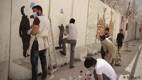 Afghanistan - Artlord Afghanistan gestaltet Wände in der Stadt um auf Themen aufmerksam zu machen (O. Sharifi)