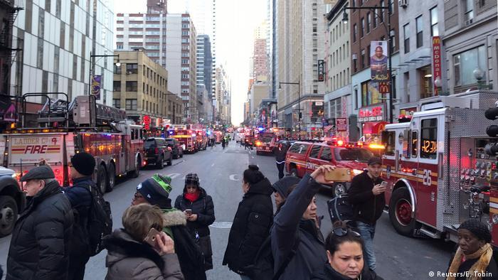 USA Explosion im New Yorker Stadtteil Manhattan (Reuters/E. Tobin )