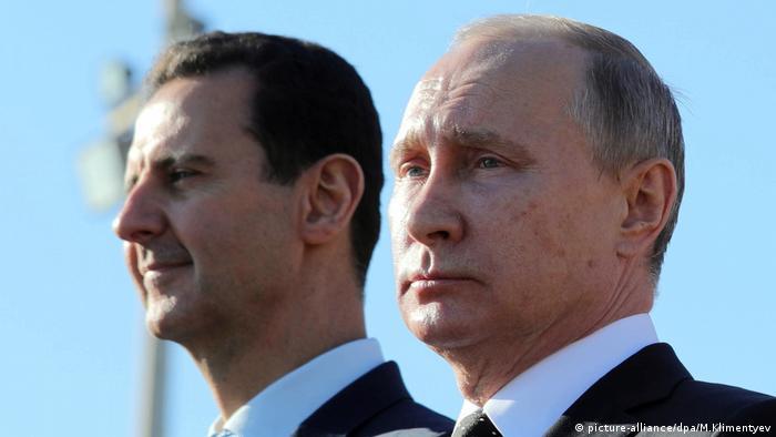 Putin besucht russische Luftwaffenbasis in Syrien (picture-alliance/dpa/M.Klimentyev)
