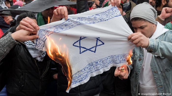 Steag al statului Israel ars în cartierul berlinez Neukölln