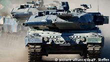 German-made Leopard tank (picture-alliance/dpa/P. Steffen)