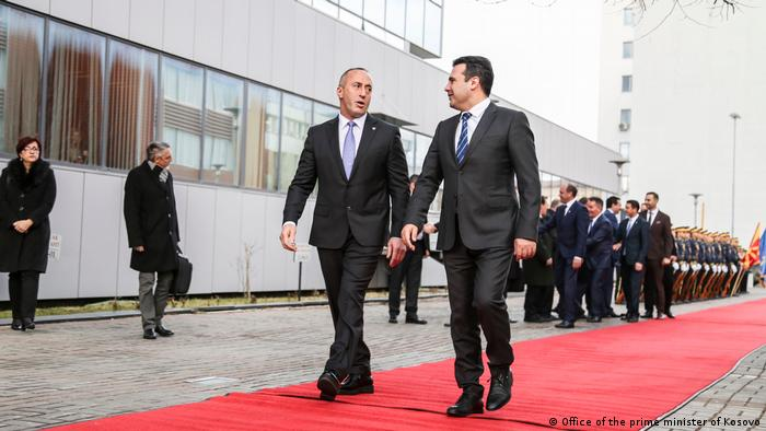 Mazedonien Kosovo Zaev mit Ramush Haradinaj in Prishtina