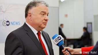 DW Interview mit Israelischem Botschafter Jeremy Issacharoff in Berlin