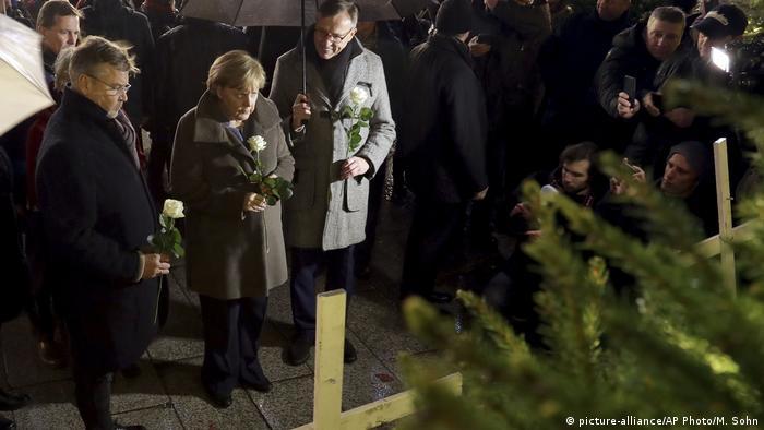 Deutschland Merkel besucht Breitscheidplatz nach Terroranschlag