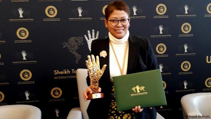 Schweiz, Yuyuk Andriati von Saya Perempuan Anti Korupsi (SPAK) mit ACE Award in Genf