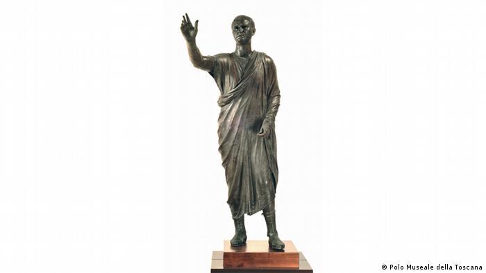 Life-sized bronze statue of Etruscan Avle Metele, a speaker. (Foto: Uli Deck )