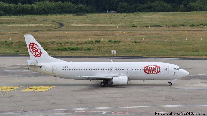 Boeing 737 der NIKI Air (picture-alliance/dpa/H.Galuschka)