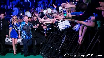 Profi Darts Legende Phil Taylor (Getty Images/T.Williams)