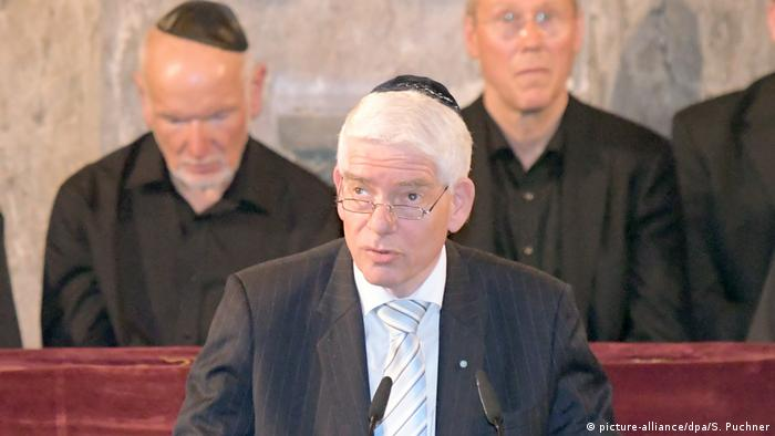 Josef Schuster in a file photo at Augsburg Synagoge (picture-alliance/dpa/S. Puchner)