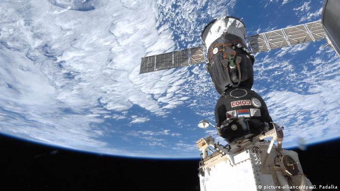 Sojus Raumschiff angedockt an die ISS (picture-alliance/dpa/G. Padalka)