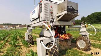La agricultura debe despedirse de las máquinas pesadas, dice el experto británico Simon Blackmore.