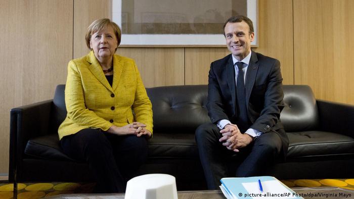 Лідери Німеччини та Франції закликали сторони конфлікту на Донбасі до повного обміну полоненими