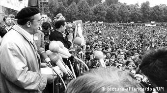 Demonstration gegen Notstandsgesetze 30. Mai 1968 - Heinrich Böll (picture-alliance/dpa/UPI)