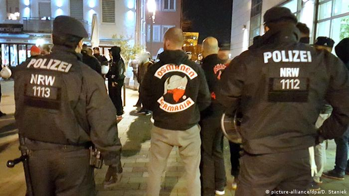 Deutschland Rockergruppe Osmanen Germania BC in Neuss (picture-alliance/dpa/D. Staniek)