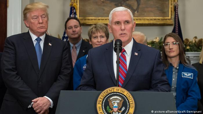 Mike Pence Donald Trump (picture-alliance/dpa/A.Gemignani)
