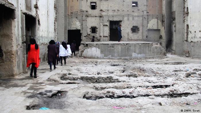 Afghanistan Theateraufführung in zerstörtem Kino in Kabul