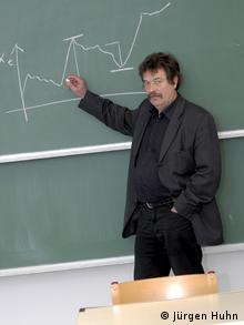 TU Dortmund, Walter Krämer (Jürgen Huhn)