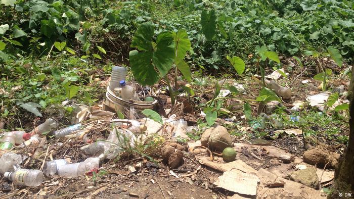 Haiti: trash
