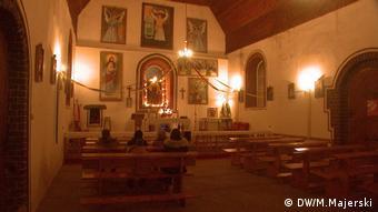 Katholische Andacht in Roznowo