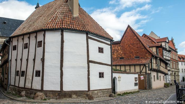 Deutschland Altstadt Word-Gasse in Quedlinburg (picture-alliance/ZB/H. Wiedl)