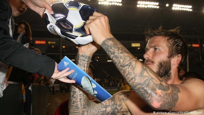 David Beckham gibt Autogramme (picture-alliance/dpa/Globe-ZUMA)