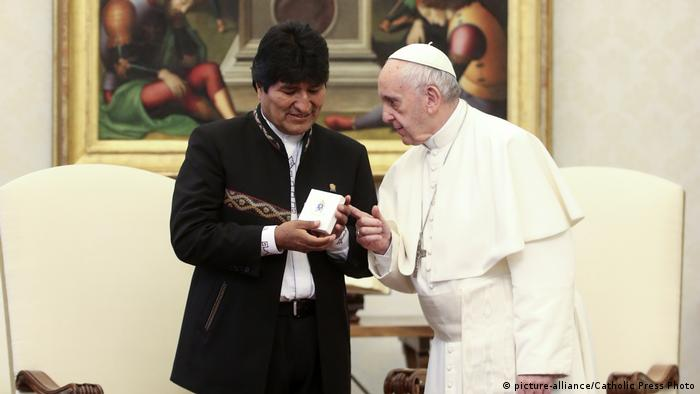 Vatikan Besuch Evo Morales bei Papst Franziskus (picture-alliance/Catholic Press Photo)