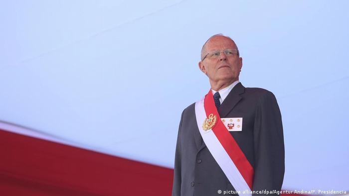 Peru Veranstaltung der Streitkräfte - Pedro Pablo Kuczynski (picture alliance/dpa/Agentur Andina/P. Presidencia)