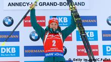 Biathlon Laura Dahlmeier bejubelt ihren Sieg in Annecy-Le Grand-Bornand. Foto: Getty Images