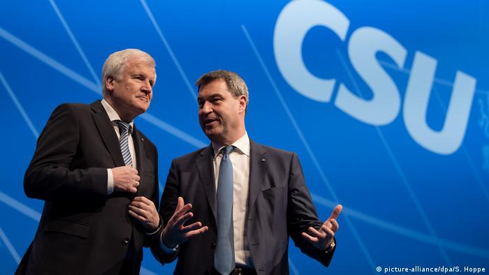 Seehofer and Söder (picture-alliance/dpa/S. Hoppe)