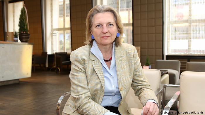 Österreich Karin Kneissl wird Außenministerin